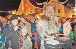 Mainburg: Lousnachtgeister am Christkindlmarkt